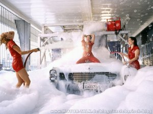 sexy-car-wash-girls-1400x1050-8779012880889157462